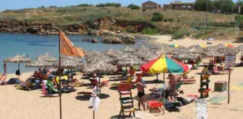 Δημοπρατούνται δημοτικά αναψυκτήρια σε παραλίες των Χανίων