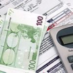 Έρευνα ΕΚΠΟΙΖΩ: Το 50% των καταναλωτών δεν πληρώνουν εγκαίρως τους λογαριασμούς ρεύματος