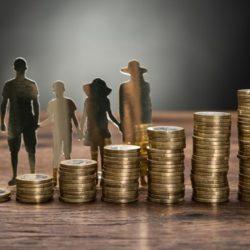 Η ελληνική οικογένεια στις πέντε βαρύτερα φορολογούμενες των χωρών του ΟΟΣΑ