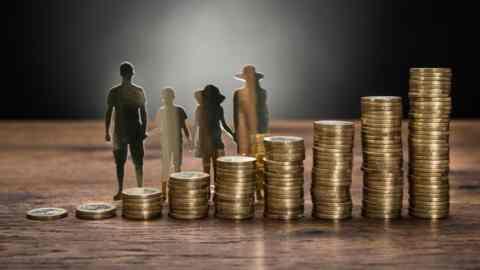 Οικογενειακό επίδομα: Νέες αιτήσεις πρέπει να υποβάλλουν όλοι οι δικαιούχοι, στον ΟΠΕΚΑ