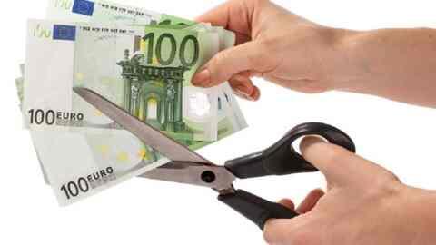 «Κούρεμα» έως 90% σε 400.000 καταναλωτικά και κάρτες