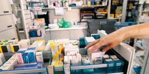 """""""Ναι"""" από τους φαρμακοποιούς στην δωρεάν διάθεση των φαρμάκων υψηλού κόστους"""