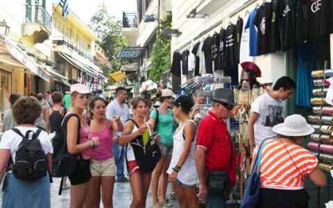 ΣΕΤΕ: Περισσότερα χρήματα ξοδεύουν οι τουρίστες που επισκέπτονται την Κρήτη