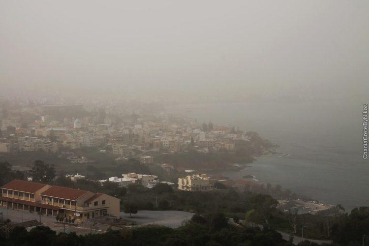 """Νέα """"επίσκεψη"""" αφρικανικής σκόνης. Πότε θα ρίξει λασποβροχή"""