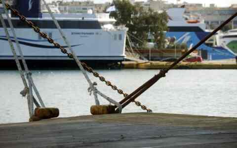 Δεμένα τα πλοία στα λιμάνια στις 3 Σεπτεμβρίου