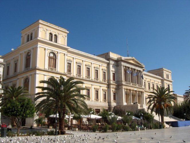 Δημιουργείται αυτοτελής υπηρεσία εποπτείας των δήμων της Κρήτης