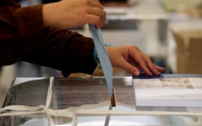 Κορυφώνονται οι προετοιμασίες για τις εκλογές. 12,5 εκατ. ευρώ για κάλπες δαπανά το ΥπΕΣ