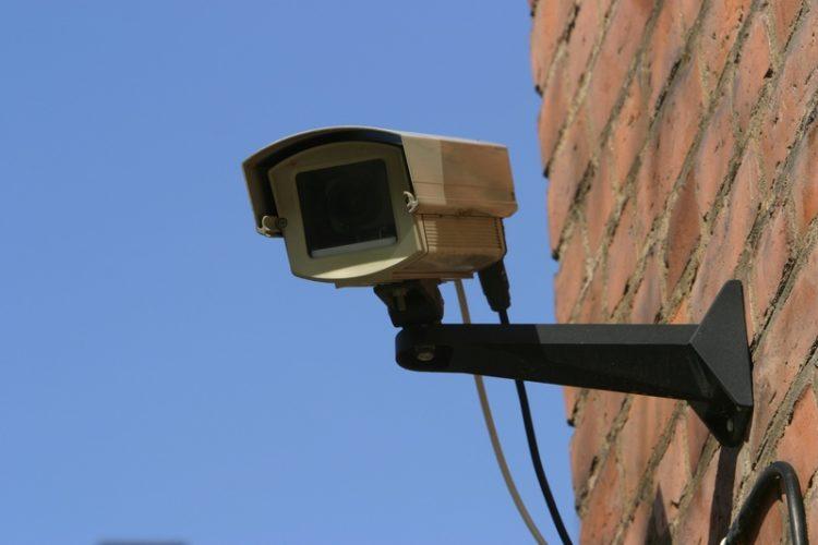 Στους Δήμους η επεξεργασία και αποθήκευση εικόνων βιντεοεπιτήρησης των σχολείων