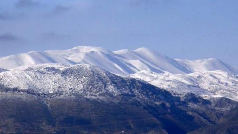 Meteo: Γέμισαν με χιόνι τα ορεινά της Κρήτης. Περιορισμένη χιονοκάλυψη στην υπόλοιπη Ελλάδα
