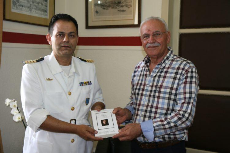 Εθιμοτυπική επίσκεψη του νέου λιμενάρχη Χανίων στον Α.Βουλγαράκη