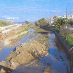 Οι εργασίες που εκτελεί η ΔΕΥΑΧ στην κοίτη του Κλαδισού ποταμού