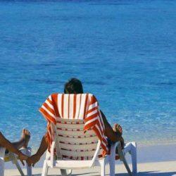 Τι θα αλλάξει στις φετινές καλοκαιρινές διακοπές - Μέτρα και στις παραλίες