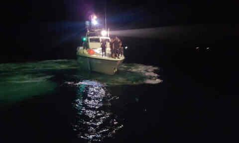 Τραγωδία στα Σφακιά. Τρεις νεκροί από την πρόσκρουση σκάφους στα βράχια! Οι δύο αδέρφια