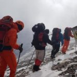 Ο Ορειβατικός στην κορυφή Σπαθί στα Λευκά Όρη