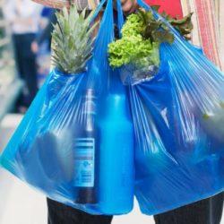 Πώς θα αποδώσουν οι επιχειρήσεις το περιβαλλοντικό τέλος της πλαστικής σακούλας