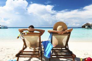 Πού πηγαίνουν οι Έλληνες διακοπές, πόσα ξοδεύουν και πως περνούν τον χρόνο τους;