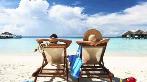 Eurostat: Οι μισοί Έλληνες δεν έχουν την οικονομική δυνατότητα για διακοπές