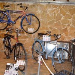 Έκθεση κλασσικών ποδηλάτων στην πύλη Σαμπιονάρα
