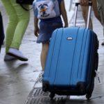 Το ζεστό καλοκαίρι του βορρά, προκαλεί μείωση της τουριστικής κίνησης στο νότο