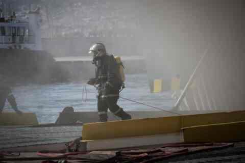 """Από τις δυσκολότερες επιχειρήσεις, η κατάσβεση της φωτιάς στο """"Ελ.Βενιζέλος"""""""