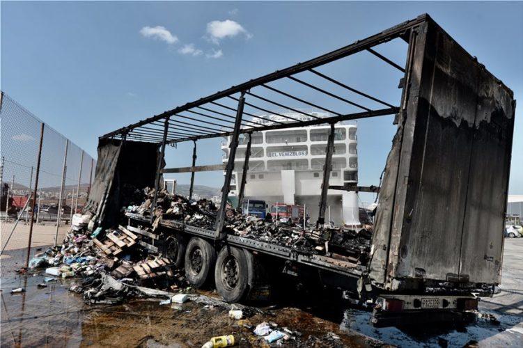 """Από βραχυκύκλωμα ξεκίνησε η φωτιά στο """"Ελευθέριος Βενιζέλος"""" της ΑΝΕΚ"""