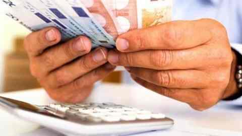 Όλο και περισσότεροι Έλληνες δυσκολεύονται στην αποπληρωμή των δανείων τους 730d41bf9ef