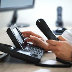 Δηλώστε την βλάβη του τηλεφώνου ή του internet χωρίς χρέωση, καλώντας αυτούς τους αριθμούς