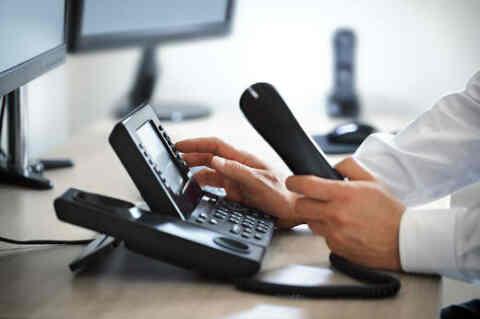 Περισσότερη διαφάνεια σε συμβόλαια τηλεπικοινωνιών, ίντερνετ και χρεώσεις