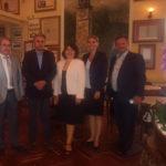 """Επίσκεψη της πρέσβειρας της Σλοβακίας στο ιστορικό καφέ """"Κήπος"""""""