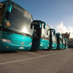 Ποιοι δικαιούνται δελτίο δωρεάν μετακίνησης με τις αστικές συγκοινωνίες και τα ΚΤΕΛ