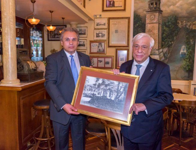 Επίσκεψη του Προέδρου της Δημοκρατίας στο Ιστορικό Καφέ «Κήπος»