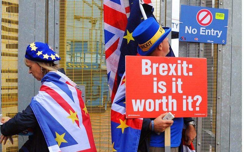Brexit: Χωρίς βίζα η είσοδος στην ΕΕ για Βρετανούς και στο ΗΒ για Ευρωπαίους