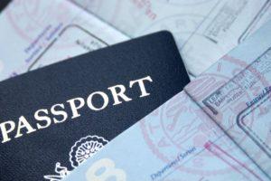 Απαλλάσσονται οριστικά από τη βίζα για τις ΗΠΑ οι Έλληνες πολίτες