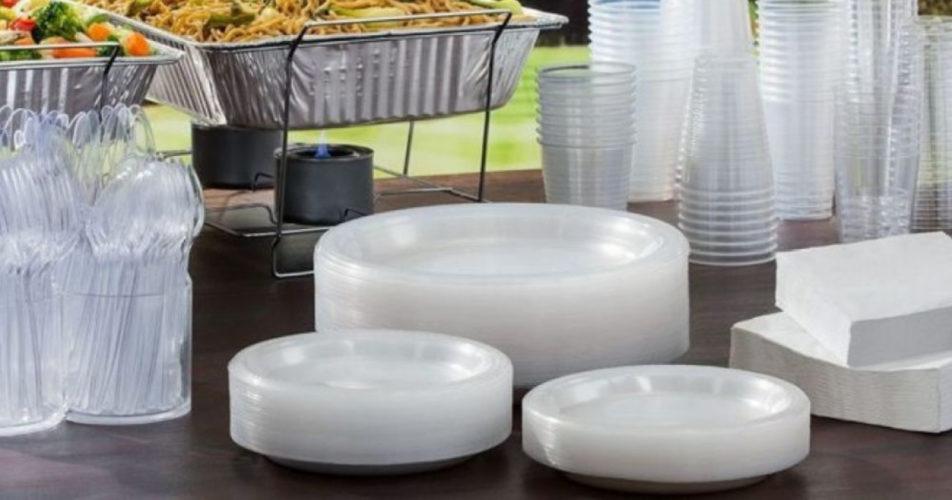 Θα απαγορευθούν τα πλαστικά προϊόντα μιας χρήσης μέχρι το 2021