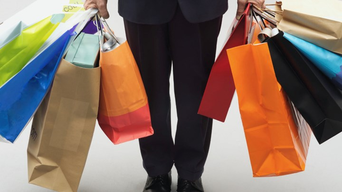 Τον λιγότερο χρόνο αφιερώνουν οι Έλληνες στα ψώνια. Τι δείχνει έρευνα της Eurostat