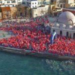 Ο Τόνυ Σφήνος πρωταγωνιστεί στο promo video του φετινού santa run