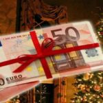 Ποιοι δικαιούνται δώρο Χριστουγέννων και πώς θα υπολογιστεί