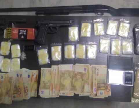 Κρήτη: Κοκαΐνη, όπλα και... αρκετά μετρητά - Δεκατρείς συλλήψεις