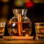 Guardian: Το ρακόμελο ανάμεσα στα 10 καλύτερα ποτά για τον χειμώνα