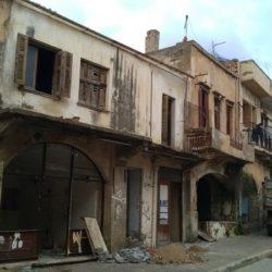 Ξεκινά η κατεδάφιση κτισμάτων στην οδό Σήφακα