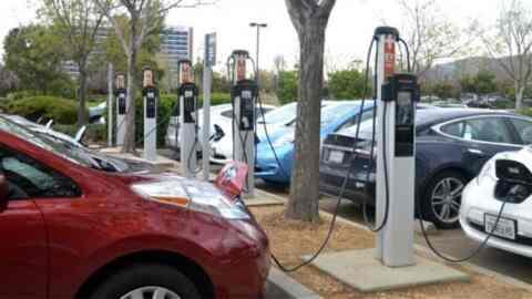 Σταθμοί φόρτισης ηλεκτρικών οχημάτων στον δήμο Πλατανιά
