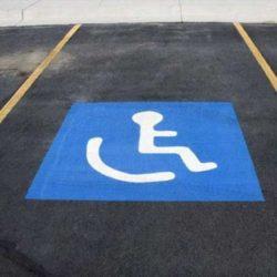 Πρωτιά των Χανιωτών στην στάθμευση σε ράμπες και αναπηρικές θέσεις