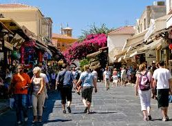 ΟΟΣΑ: Το 47,2% του περιφερειακού ΑΕΠ της Κρήτης προέρχεται από τον τουρισμό