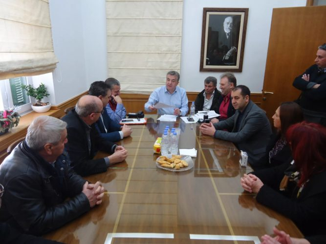 Τέσσερα προνοιακά ιδρύματα ΑμΕΑ της Κρήτης παρέλαβαν νέο λεωφορείο από την Περιφέρεια