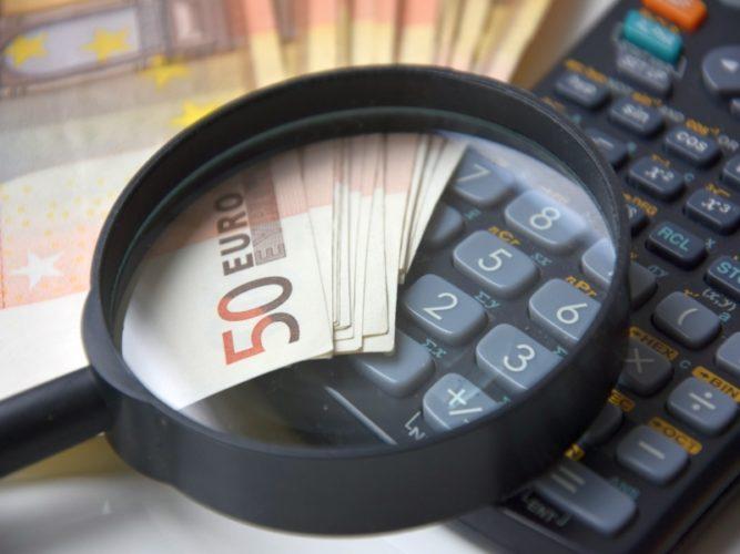 Τι χρωστούν οι Έλληνες στην εφορία. Μόλις 79 άτομα οφείλουν 34 δισ. ευρώ