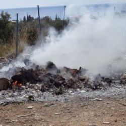 ΔΕΔΙΣΑ: «Καμπανάκι» για την ανεξέλεγκτη καύση πλαστικών και απορριμμάτων