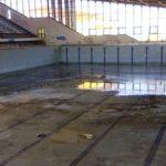 Λίγους μήνες πριν τις εκλογές θυμήθηκαν το κλειστό κολυμβητήριο στο Ακρωτήρι