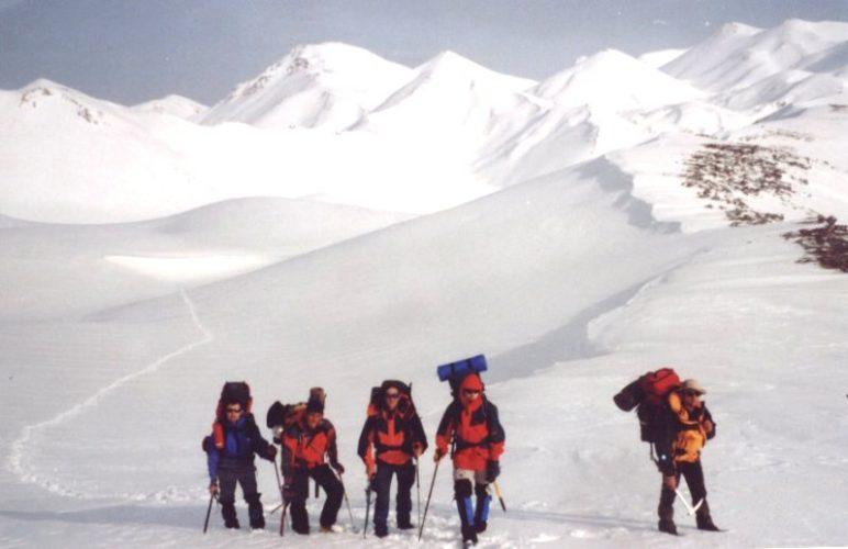 Ο Ορειβατικός από τον Άγιο Ιωάννη Σφακίων  στο Σπήλαιο Κορμοκόπου