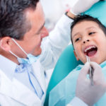 Περισσότερα από 7.500 παιδιά σε όλο το νησί εξετάστηκαν στην Κινητή Οδοντιατρική Μονάδα της Περιφέρειας