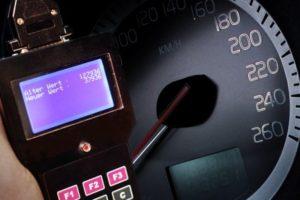 Πώς θα γίνεται ο έλεγχος των χιλιομέτρων στα μεταχειρισμένα αυτοκίνητα